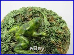 Small wall plaque signed Palissy majolica frog lizard Antique french pottery